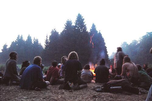 camp-camping-film-fire-friends-gorgeous-Favim.com-56474